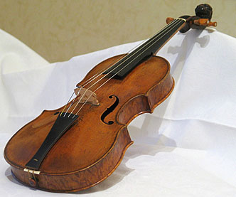 Photo of a Stainer violin